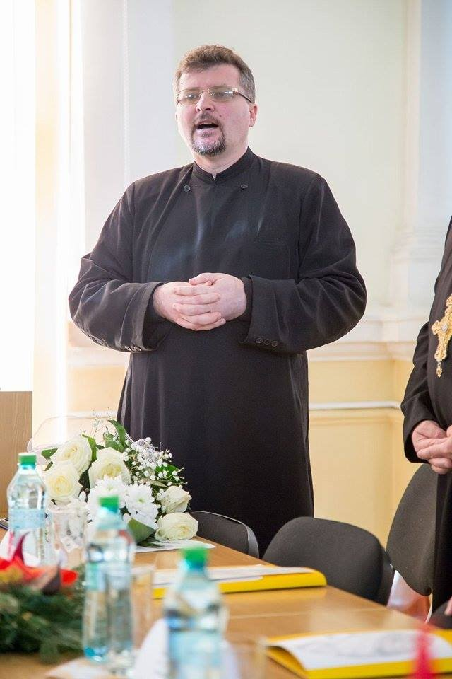 https://sites.google.com/a/seminararad.org/site-principal/20-de-ani-de-la-infiintarea-seminarului-teologic-ortodox-din-arad/10877935_807543092639982_1293589923_n.jpg