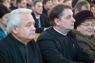https://sites.google.com/a/seminararad.org/site-principal/20-de-ani-de-la-infiintarea-seminarului-teologic-ortodox-din-arad/10877763_807543242639967_1794479253_n.jpg